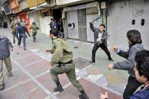 عکسهای خبرگزاری فرانسه از درگیری مردم با مزدوران رژیم