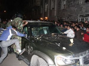گزارش تصویری از حمله تروریستی به خودروی مهدی کروبی